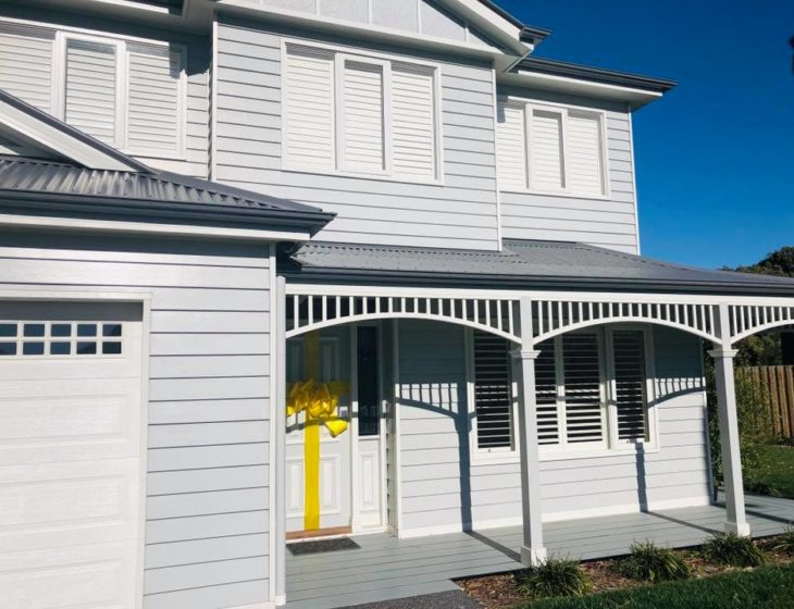Highview auctions off Hampton show home